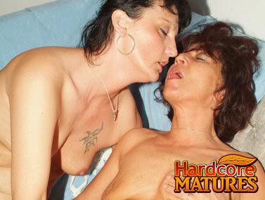 Mature 20070427lesbi 3